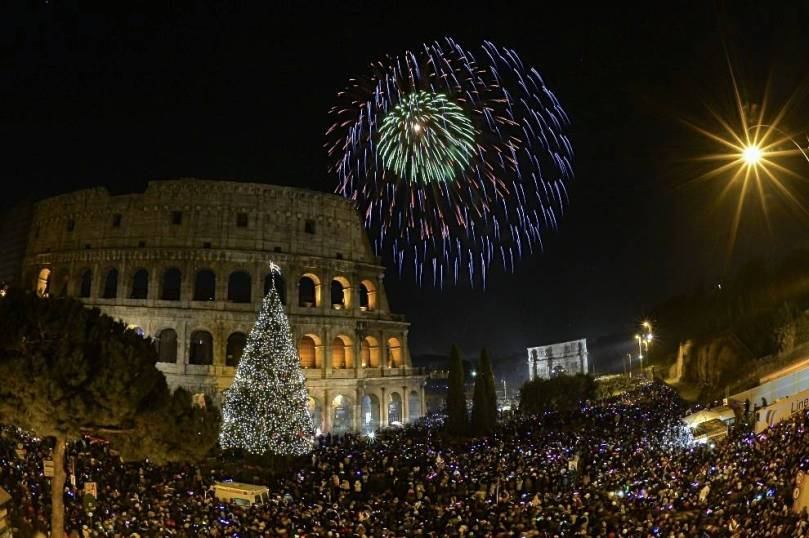 xcolosseum-new-years-repubblica1.jpg.pagespeed.ic.kWeZltJwbl.jpg